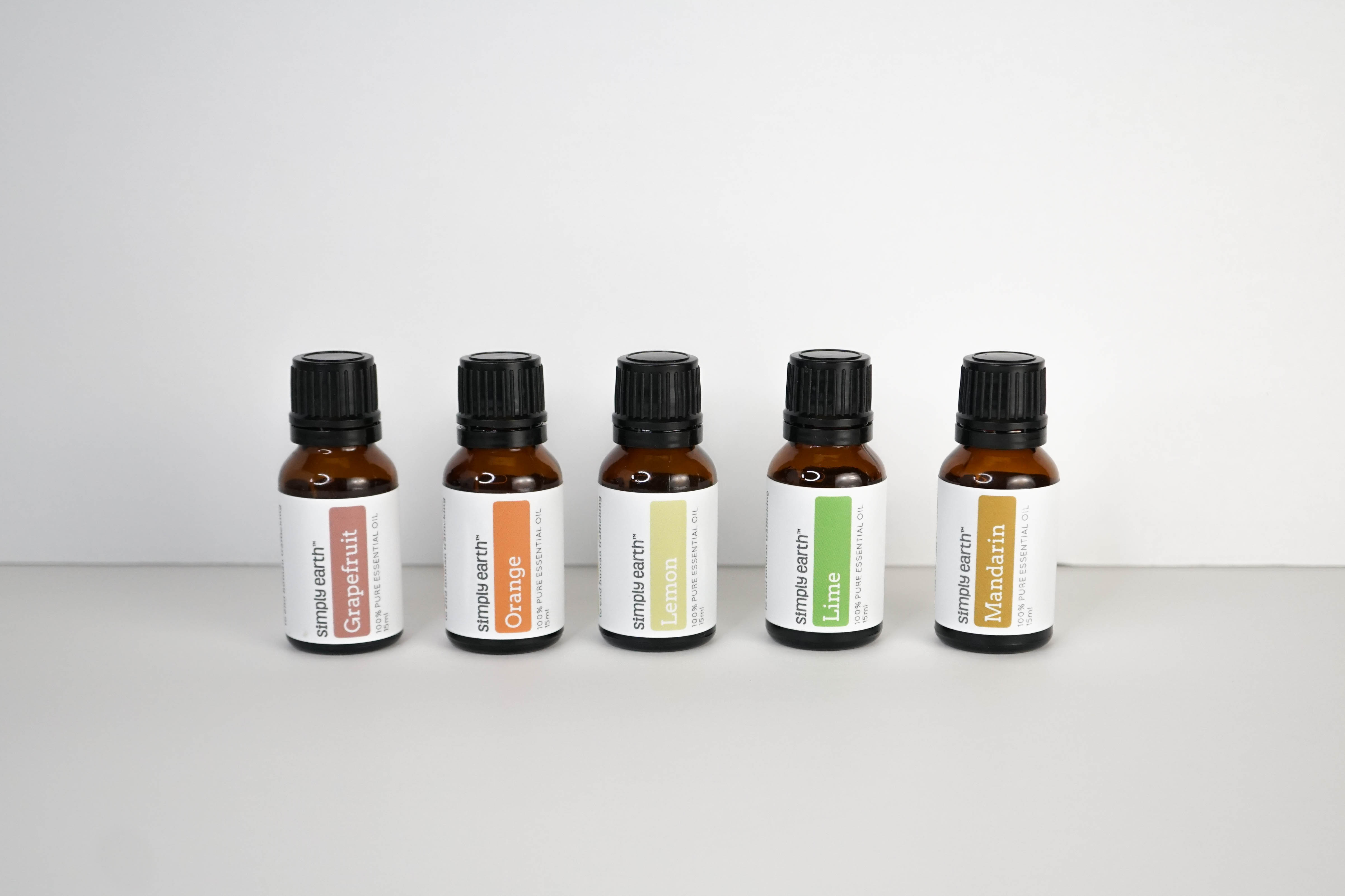 essential oils for dogs, essential oils, essential oil recipes, bay laurel Essential Oil, chamomile german Essential Oil, cinnamon leaf Essential Oil, geranium, ylan ylang Essential Oil, Are Essential Oils Safe for Pets, Essential Oil For Pets, Essential Oils For Animals