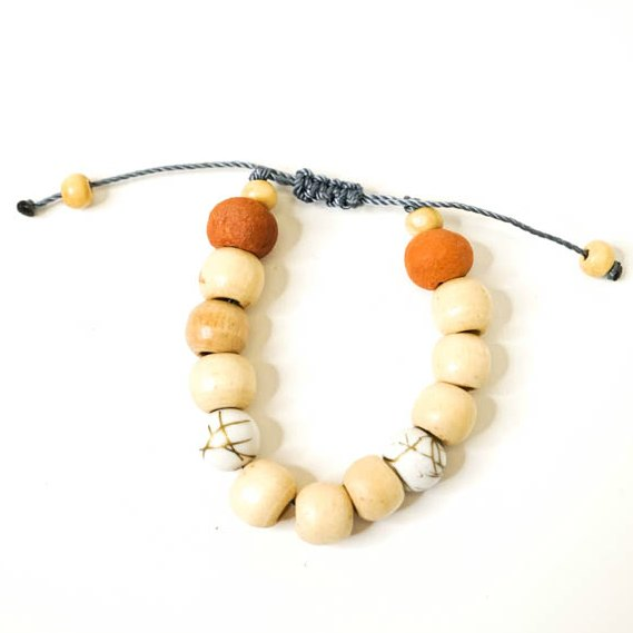 Kids Essential Oil Jewelry Bracelet Color: White Bead